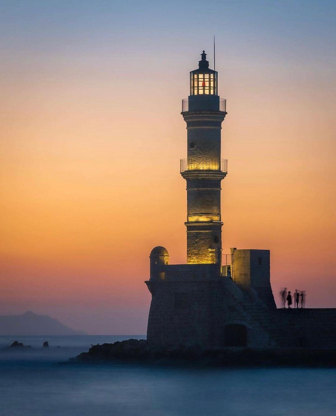 Leuchtturm in Chania 📷 by @drjonrees